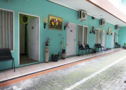 RedDoorz near Plaza Ambarukmo Eksterior