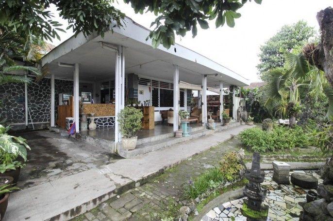 RedDoorz near Rumah Sakit Wirosaban, Yogyakarta