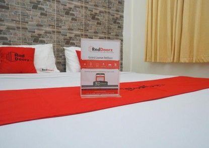 RedDoorz Plus @ Ciumbuleuit Area Teras