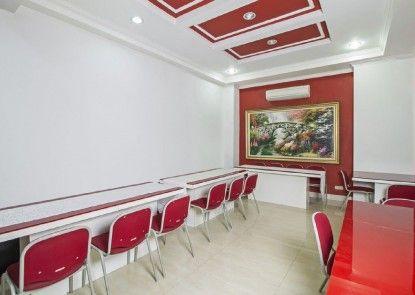 RedDoorz Plus @ Guntur Raya Setiabudi Interior