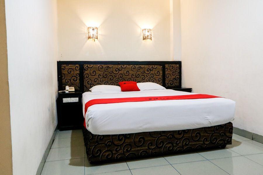 RedDoorz Plus @ Jalan Dr Sutomo Pekanbaru