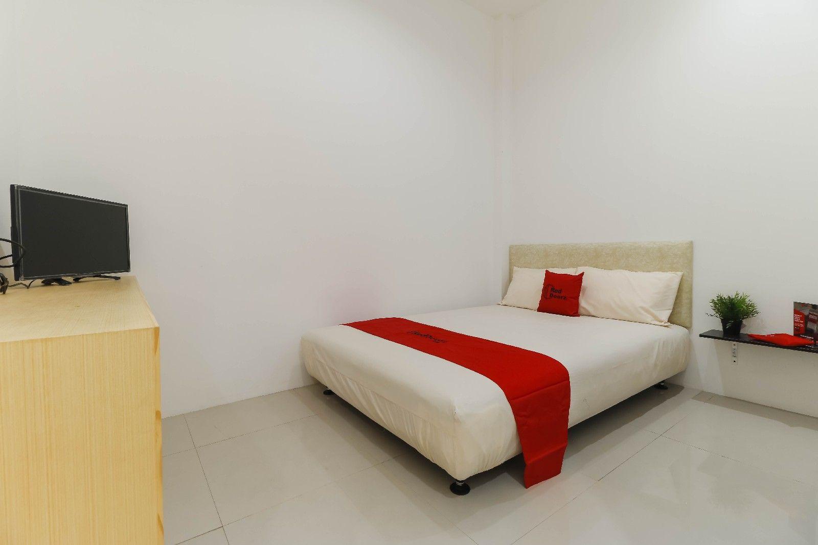 RedDoorz Plus @ Kapuk Business Park, Jakarta Utara