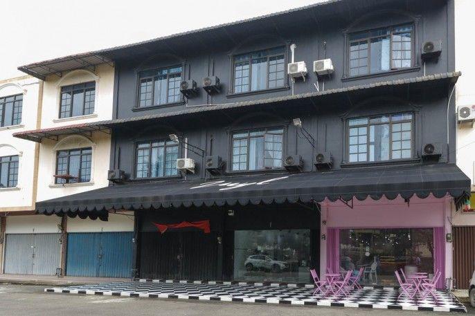 RedDoorz Plus near Batam City Square, Batam