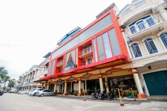 RedDoorz Plus near DC Mall Batam, Batam