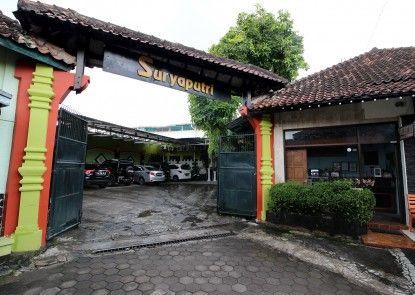 RedDoorz Plus near Lempuyangan Station 3 Eksterior