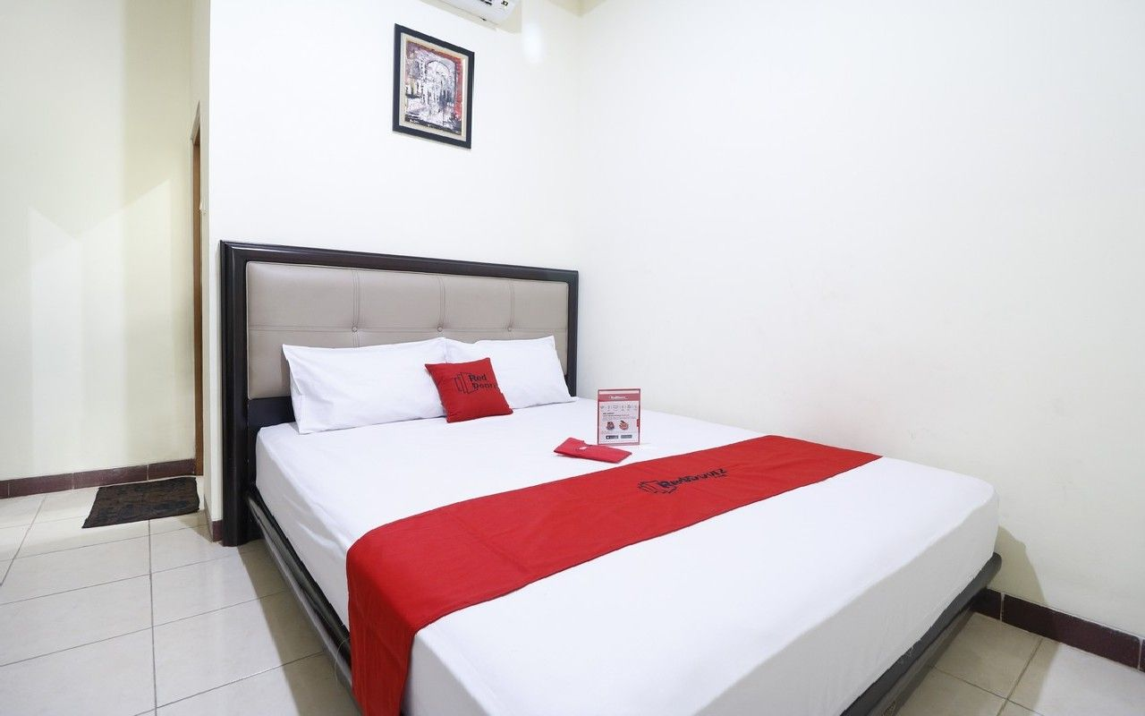 RedDoorz Plus near Universitas Indonesia, Depok