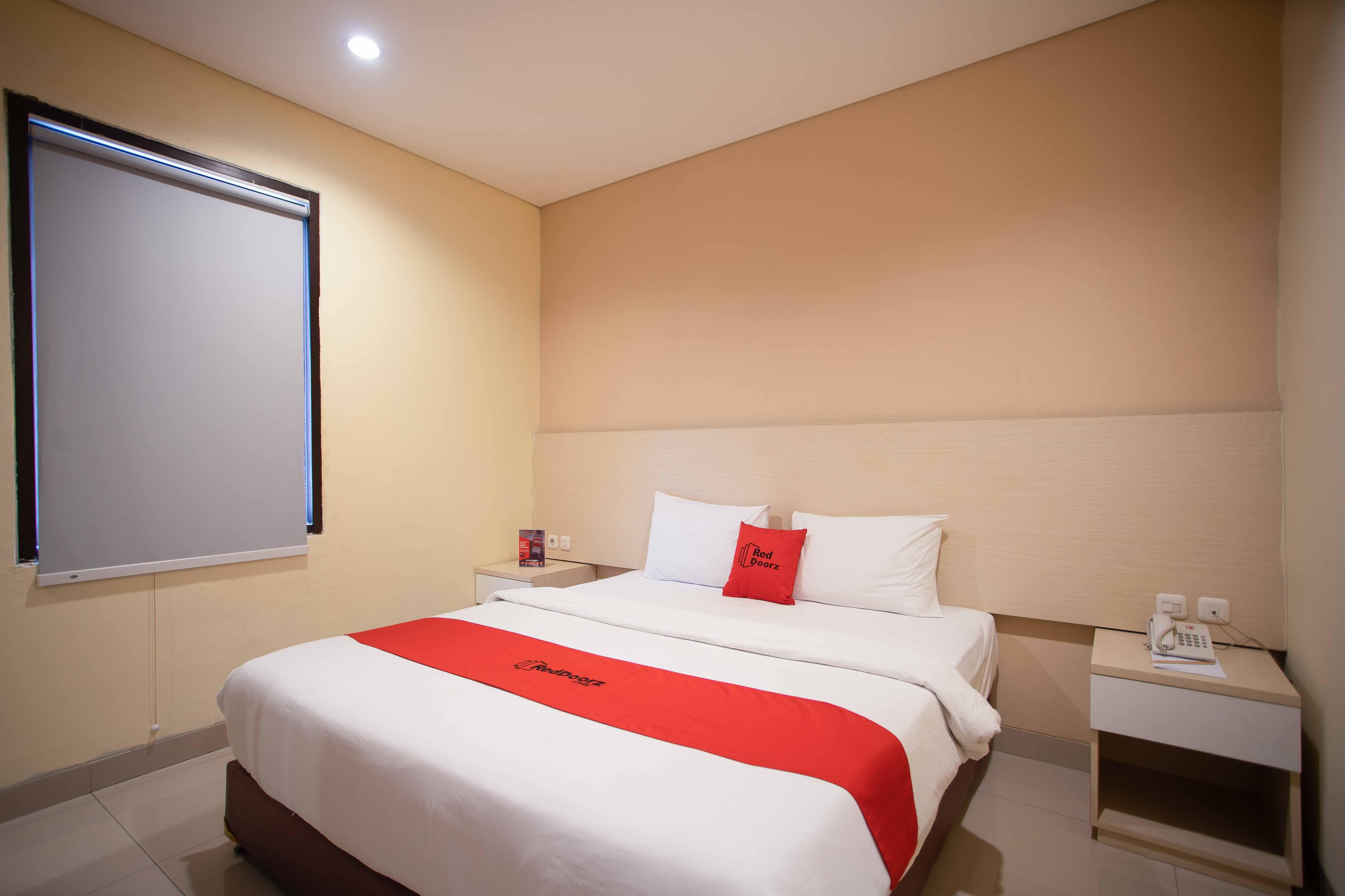 RedDoorz Premium near Kawasan Industri Cikarang, Cikarang