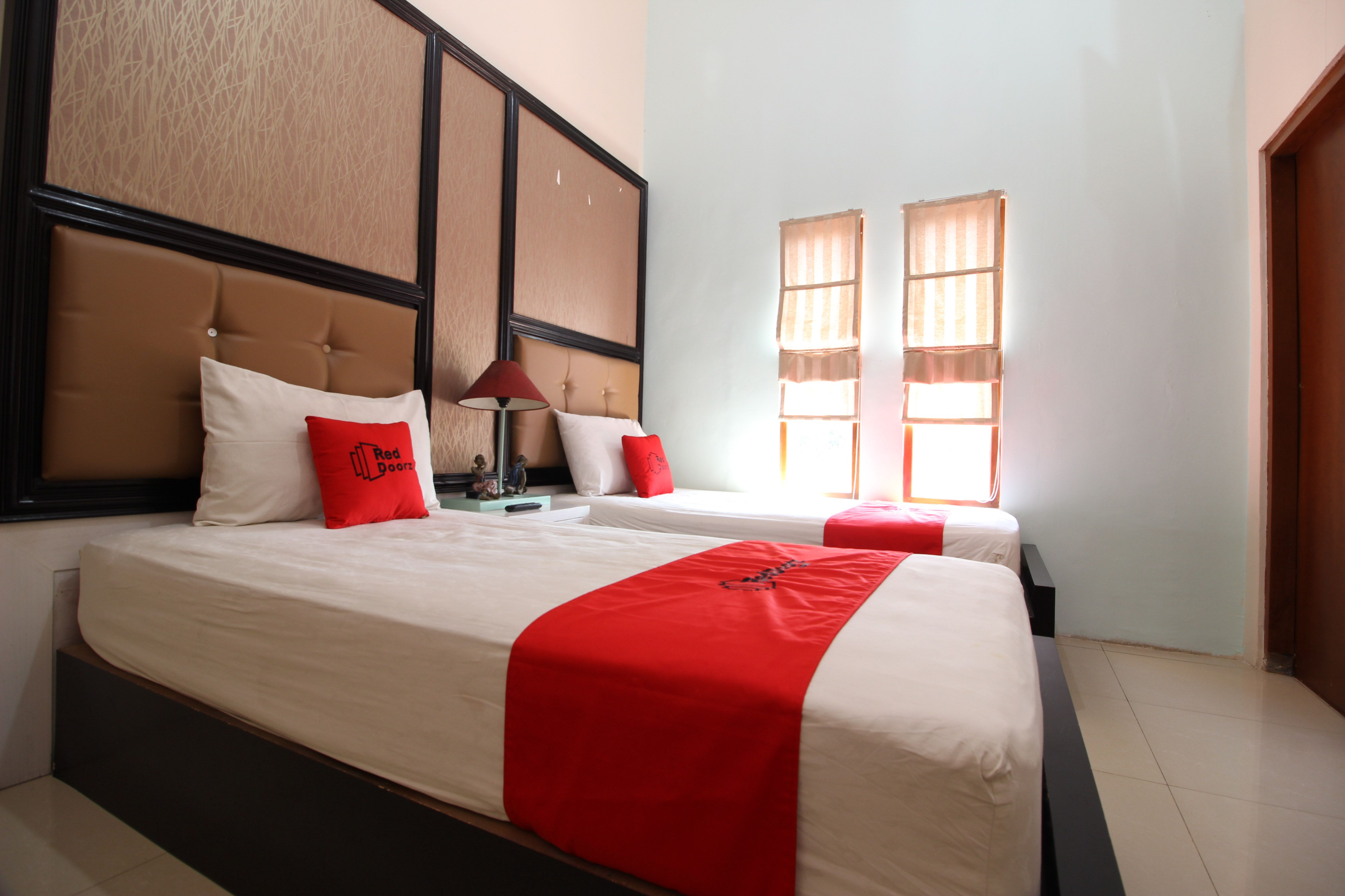 RedDoorz Premium near Tugu Jogja 2, Yogyakarta