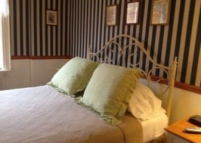 Red Lion Bed & Breakfast