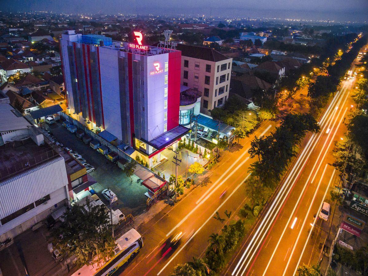Red Planet Surabaya, Surabaya