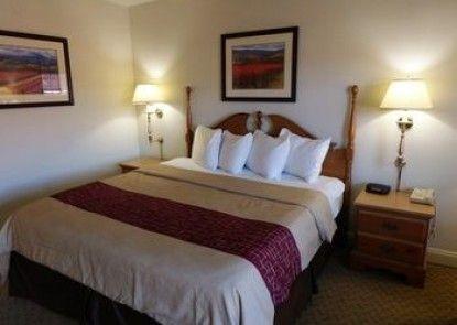 Red Roof Inn & Suites Hazleton