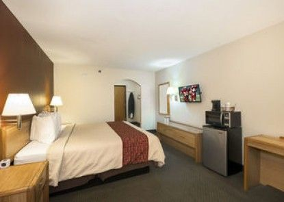 Red Roof Inn & Suites Middletown - Franklin
