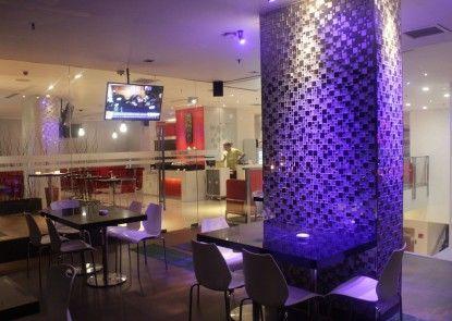 Redstar Hotel