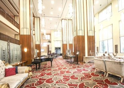 Redtop Hotel & Convention Center Kafe