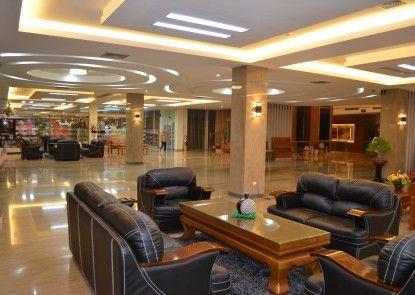 Regina Hotel Pemalang Lobby