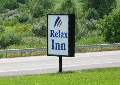 Relax Inn Motel and Bar