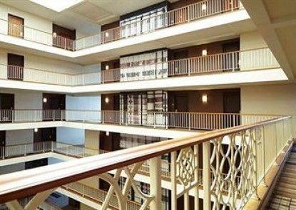 Renaissance Concourse Atlanta Airport Hotel Teras