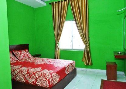 Residence Puri Hotel Kamar Tamu