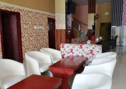 Residence Puri Hotel Rumah Makan
