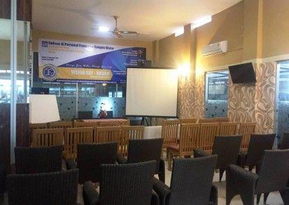 Residence Puri Hotel Ruangan Meeting