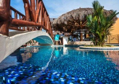 Resorts by Pinnacle 220