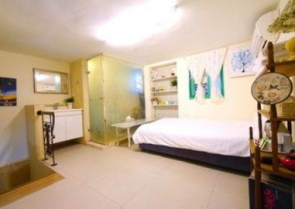 Rest Twenty-Two Hostel