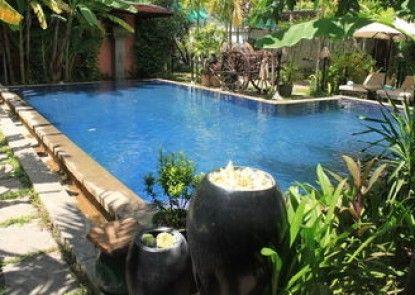Retreat Villa Boutique & Spa