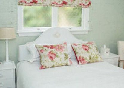 Revive On Oakview Boutique Accommodation and Spa
