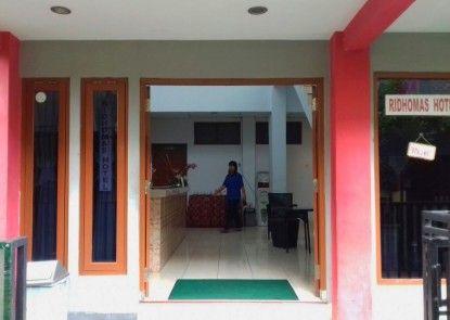 Ridhomas Hotel Pintu Masuk
