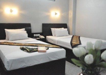 Riez Palace Hotel Teras