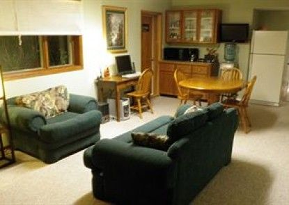 Riverbend Guest House Bed and Breakfast