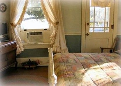River Rose Inn Bed and Breakfast