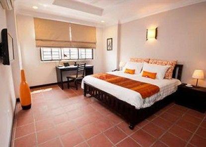 Riverside Suites