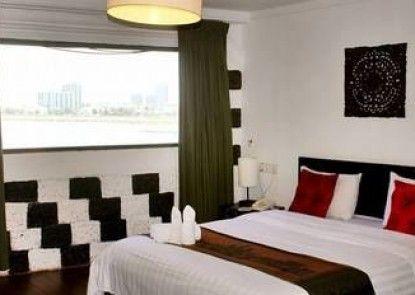 River Star Hotel