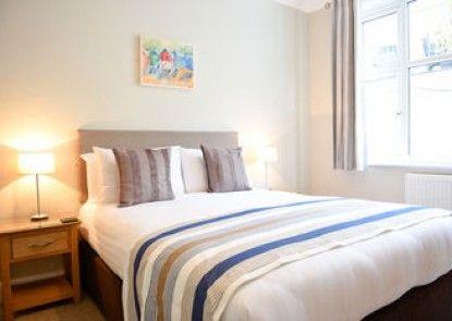 Riviera Hotel & Holiday Apartments Alum Chine