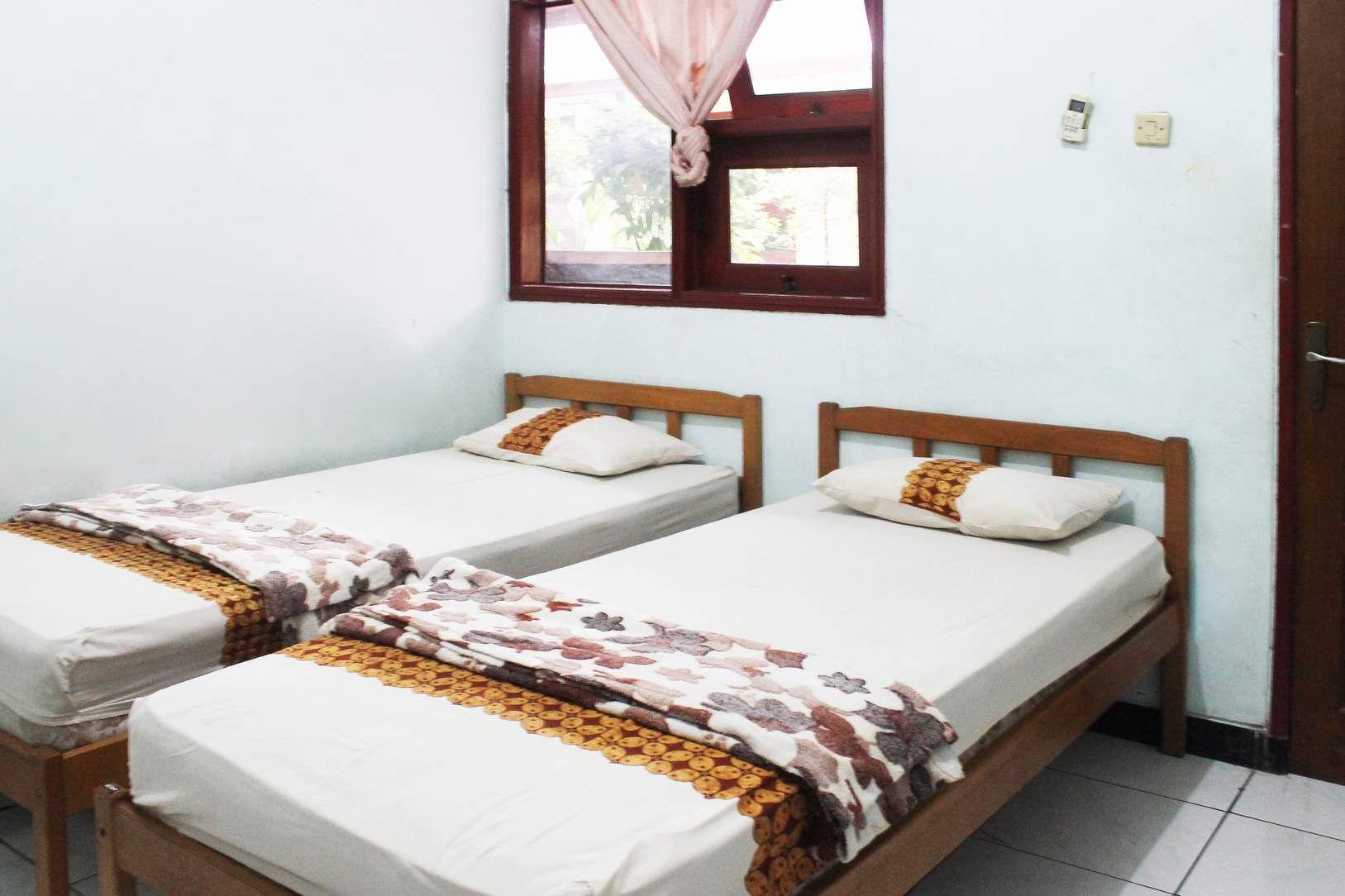 Riyadi Guesthouse, Surabaya