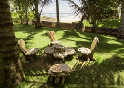 Rockside Beach Resort