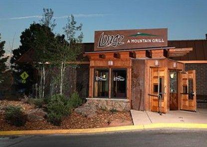 Rocky Mountain Park Inn Teras