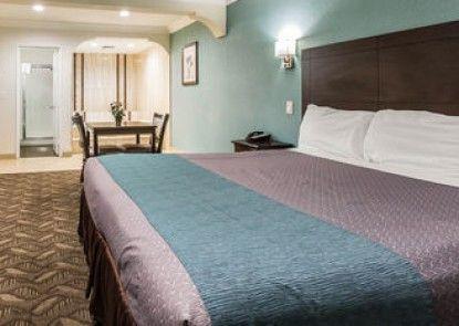 Rodeway Inn & Suites LAX