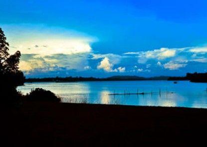 Roman Lake Ayurveda Resort