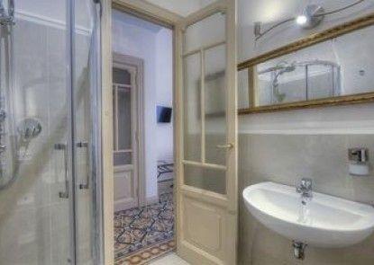 Rome Charming Suites