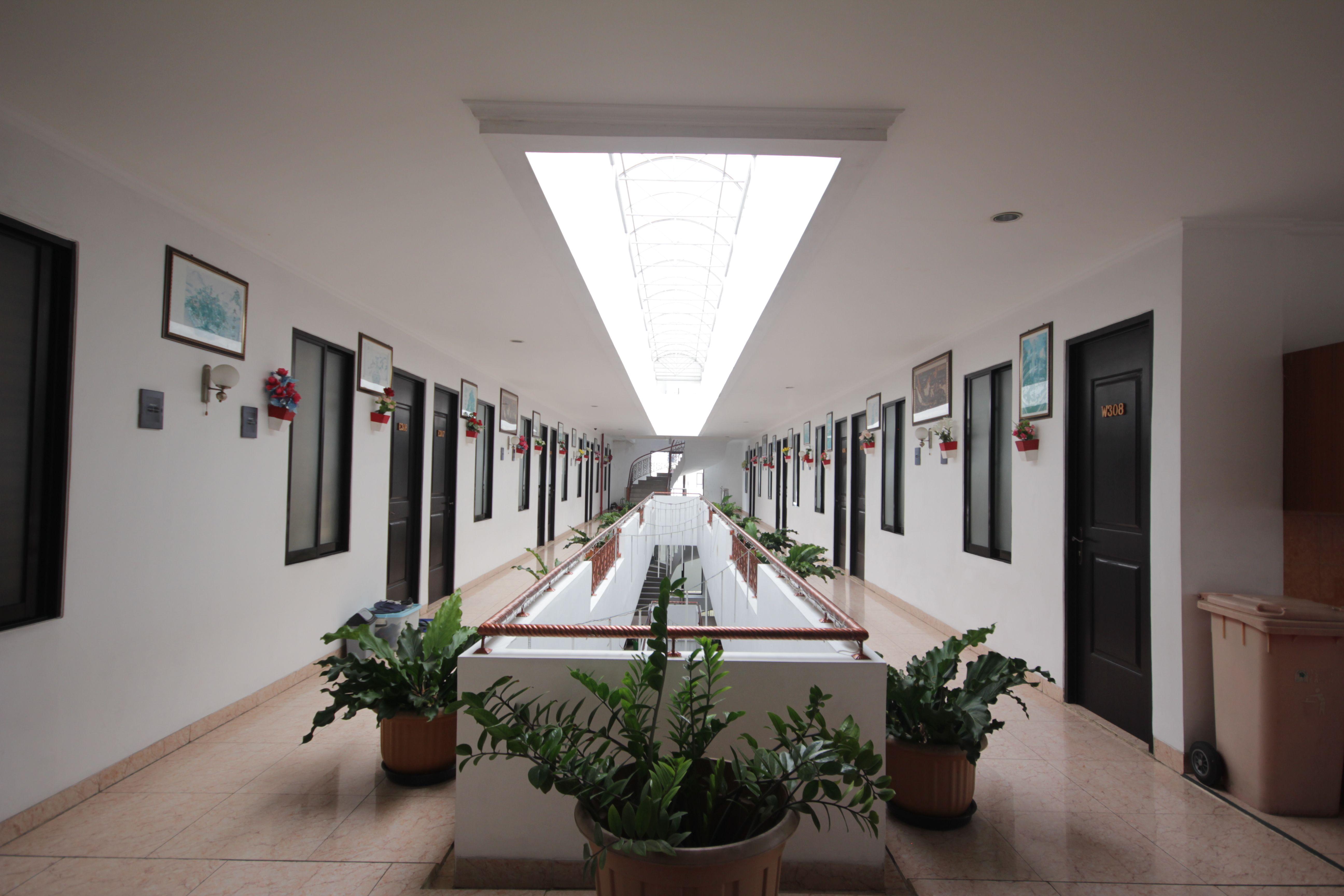 RoomMe Kuningan Iris Residence, Jakarta Selatan