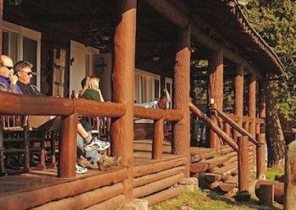 Roosevelt Lodge & Cabins