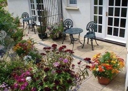 Rosedene Guest House Teras