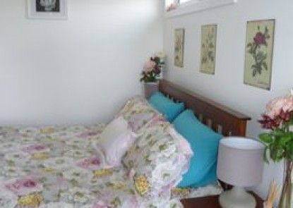 Roses of Chudleigh Holiday Cottage