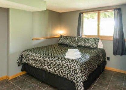 Roxbury Suites