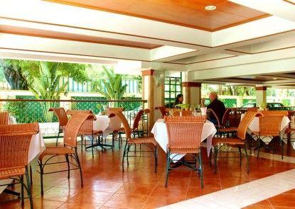 Royal Ivory Sukhumvit Nana by Compass Hospitality Rumah Makan