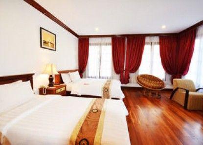 Royal Crown Hotel