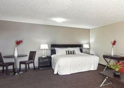 Royal Lodge Motel