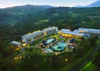 Royal Tulip Gunung Geulis Resort & Golf Sekitarnya